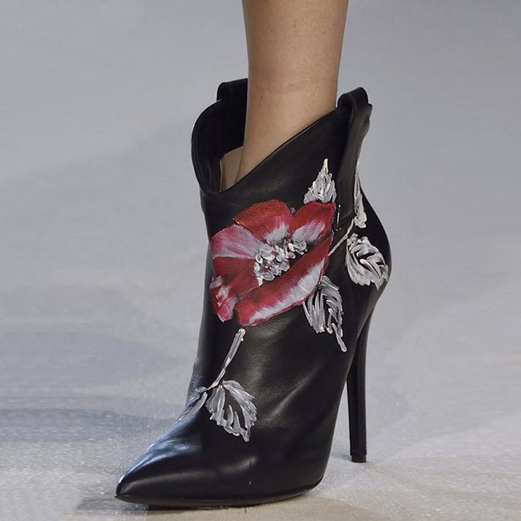 Shoespie Chic Floral Print Stiletto Booties