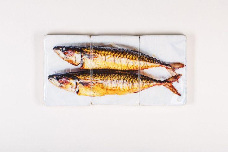 Smoked mackerels (60cm x 29cm)