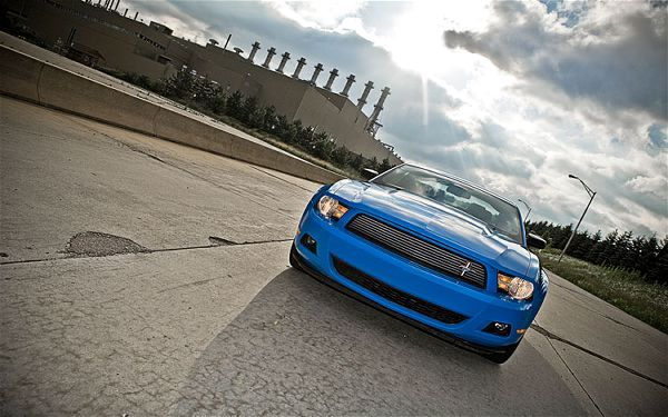 2011 Ford Mustang V6 Coupe Front End 2