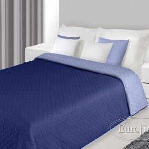 tmavomodra prikryvka na postel