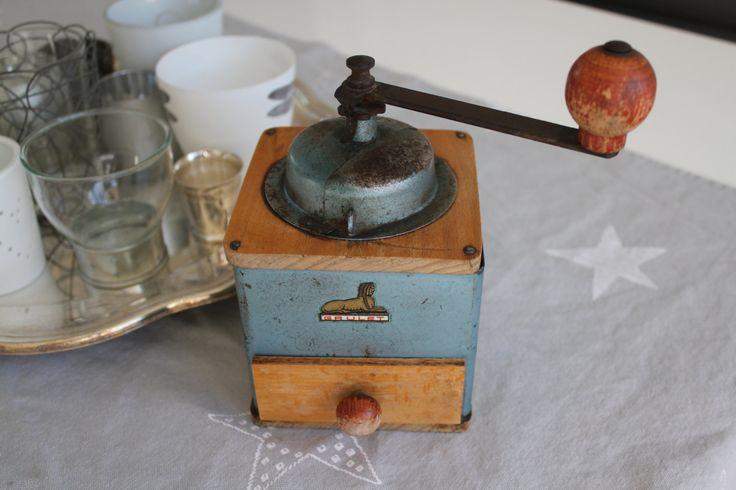 ancien moulin a café marque grulet ,made in france ,vintage de la boutique mylittlefrenchbroc sur Etsy