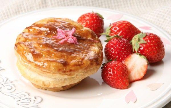 広尾リトル・パイ・ファクトリーから「桜と苺のクリーム」など春のパイ