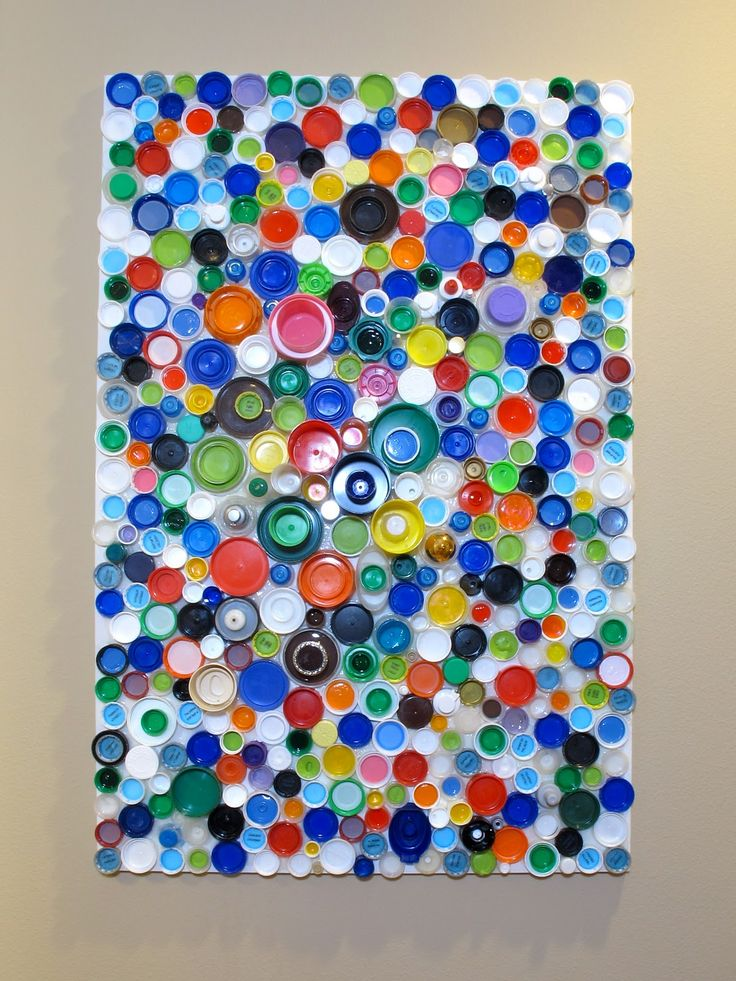 Tutorial: plastic bottle cap wall art