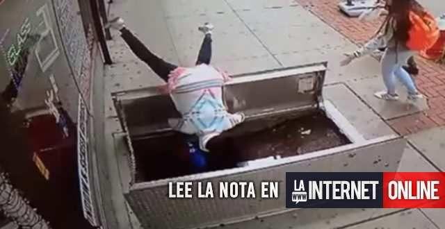 Una Mujer de 67 años cayó a un sótano por mirar el celular  La mujer sufrió heridas graves al caer a un sótano mientras caminaba por la vereda en Nueva Jersey, Estados Unidos.   #internacionales #mundo
