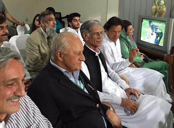 Imran, Reham, CM Khattak watch Pak Vs Zim T20 at Gaddafi Stadium