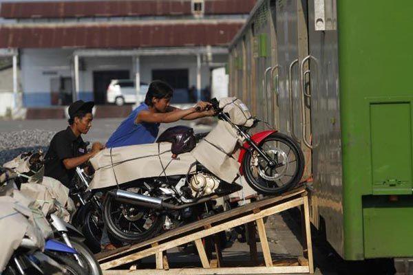 515 Sepeda Motor Pemudik Berangkat dari Stasiun Yogyakarta