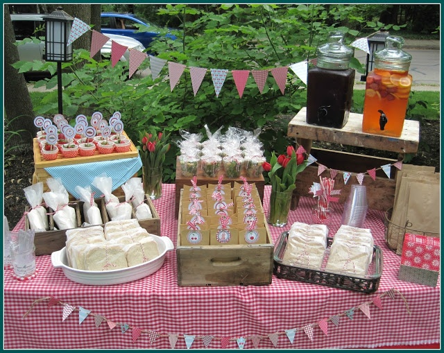 Outdoor Country Wedding Shower Ideas: 25+ Cute Picnic Bridal Showers Ideas On Pinterest