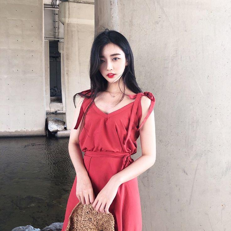 girls에 있는 K-pop idols님의 핀 | 패션 및 여성