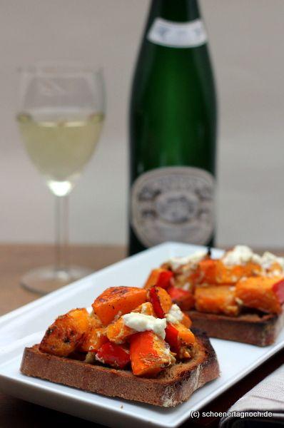 Schöner Tag noch!: Kürbis-Walnuss-Crostini mit Ziegenfrischkäse