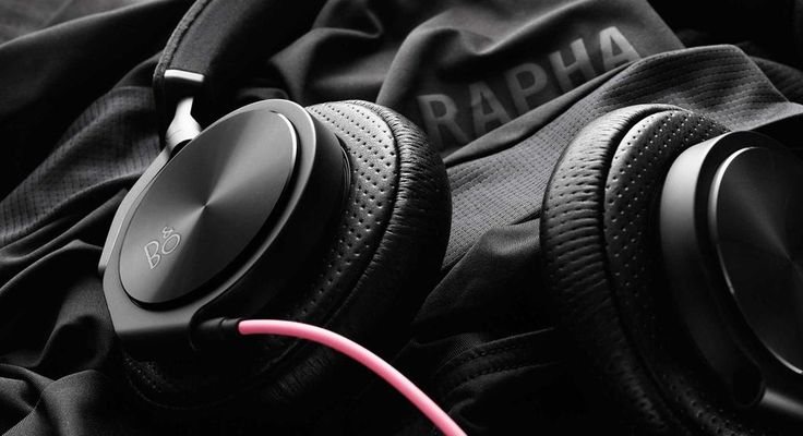 .@BangOlufsen teams up with @rapha for a luxe version of their BeoPlay H6 headphones http://hntd.ch/1R774Vh
