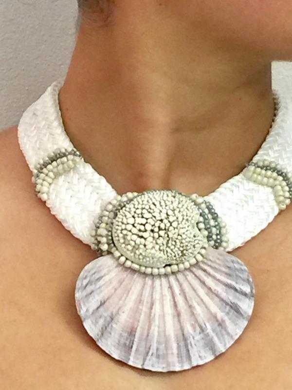 Shell Neckpiece | La Luna Lifestyle