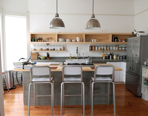 small spaces: Open Shelves, Summer Squash Salad, Lights Fixtures, Nice Kitchens, Articles, Grey Kitchens, Small Spaces, Squashes, Open Kitchens