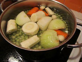 Marikkas vegetariska: Vegetarisk ärtsoppa av gröna ärtor