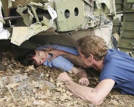 "Mark and Lexie in the 'Grey's Anatomy' season 8 finale, ""Flight"""