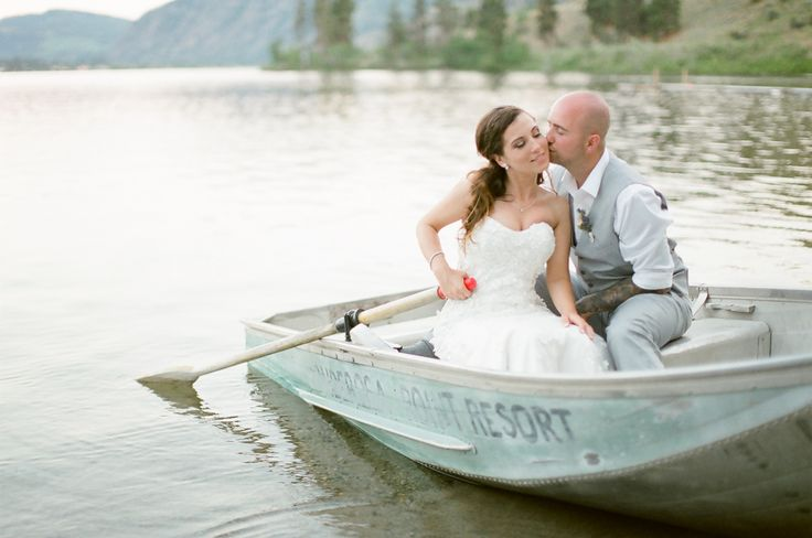 Row Boat Wedding Kisses #RowBoatWedding #RowBoat