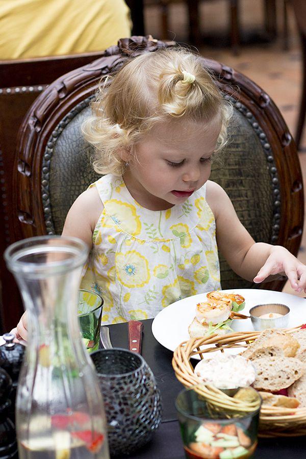 Naše neděle (outfit a tip na úžasnou restauraci s ještě úžasnějším dětským koutkem) | Mámou stylově