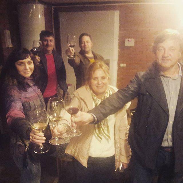 """Уже узнаваемый подвал винодельни Вальма @vinovalma . Друзья мои, вам надо слово """"душевные"""" в название добавлять. Это самое использованное определение на выходе от всех без исключения моих гостей. #винныйтурвкраснодарскийкрай #вальма #вино #винныйгид #частныйгид #винныйтур #wine #winetours #winetrip #личныйгид"""