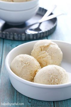 Creamy homemade eggnog ice cream recipe from @bakedbyrachel
