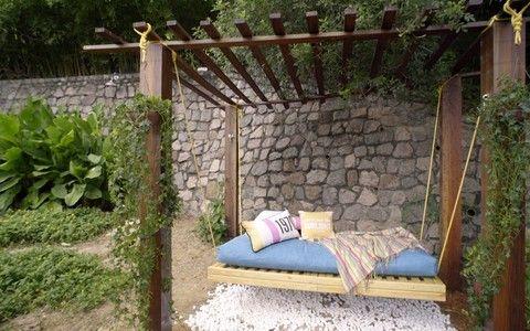 Faça você mesmo: um balanço grande e confortável para o jardim