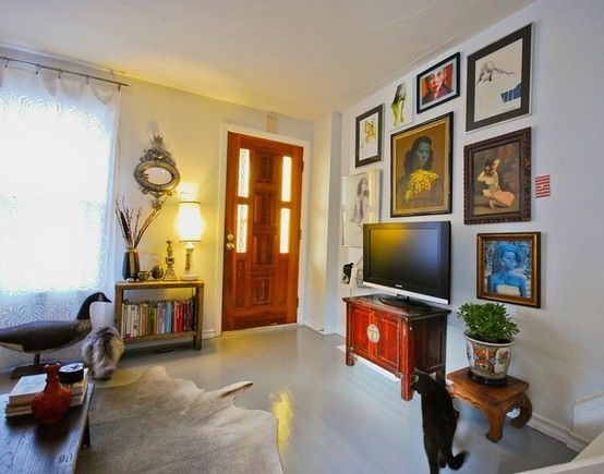 TV wall: Families Pictures, Living Rooms, Tv Wall, Photos Wall, Tv Galleries Wall, Families Rooms, Art Pieces, Wall Of Art, Television Wall