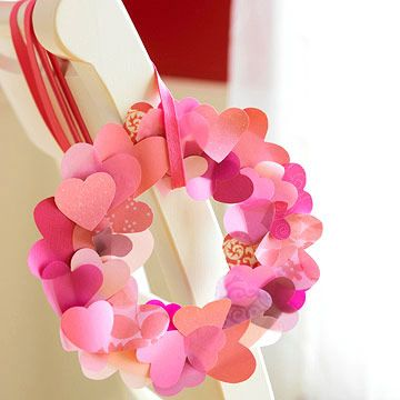Fluttering heart wreath: Paper Wreaths, Idea, Kids Rooms Decor, Heart Wreaths, Paper Heart, Valentines Wreaths, Valentines Decor, Valentines Day Crafts, Valentines Day Decor