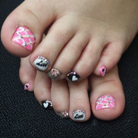Valentine's toes, acrilic, acrilic nails, organic, organic nails, acrilicas, Swarovski crystals, love