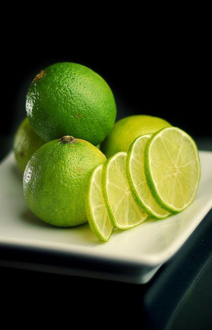 beautiful limes - eat | raw foods - citrus - healthy - fruit - meal - meals - idea - ideas - inspiration - moody - styling - food photography - dark