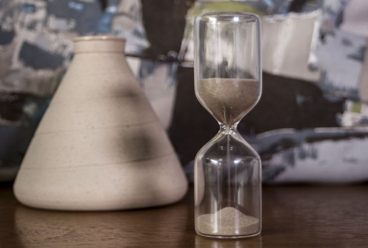 sublime hourglass shaped timer with light brown super fine sand  great ornament to daydream with + kitchen essential  5 minute timer  glass +sand  3.5 x 12 cm