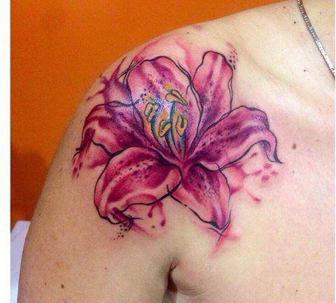 Watercolor lilyum. Tattoo artist: Valentina Sala Che meraviglia! Brava Vale!  Tatuaggio a colori   #subliminaltattoofamily   #valentinasala   #watercolortattoo   #lilyum   #giglio   #tattooartist   #tattoo   #tatuaggio http://www.subliminaltattoo.it/prodotto.aspx?pid=09-TATTOO&cid=18