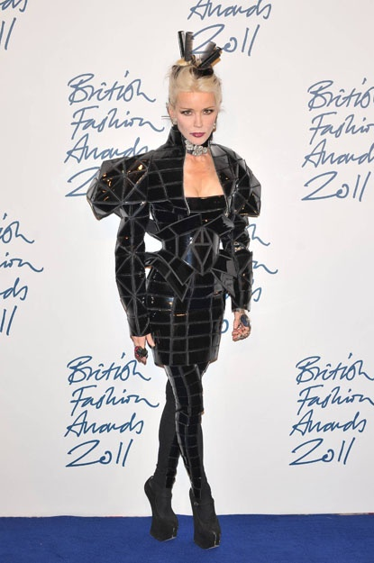 Daphne Guinness at the British Fashion Awards 2011. Very geometric outfit.