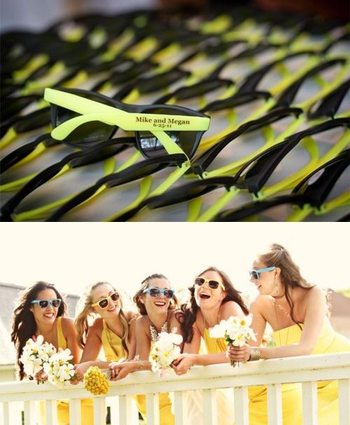 El regalo de boda más actual, gafas de sol para las damas de honor y los invitados