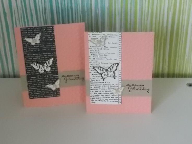 Schmetterlinge auf weißer und schwarzer Schrift