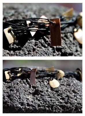 Βραχιόλι χειροποίητο με σφυρήλατα μέταλλα | myartshop Χειροποίητο βραχιόλι με μεταξωτό μαύρο νήμα και σφυρηλατημένα μεταλλάκια από μπρούντζο και χαλκό.