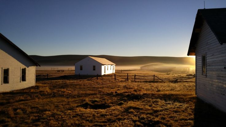 """This Abandoned Cattle Ranch Is Becoming a """"Literary Home on the Range"""" & Library"""