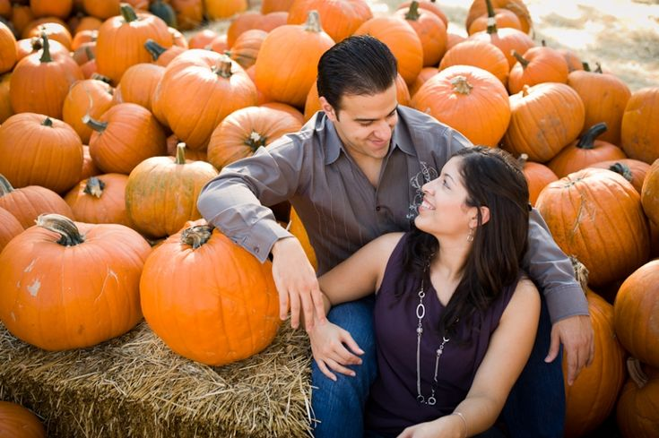 Pumpkin engagement picture