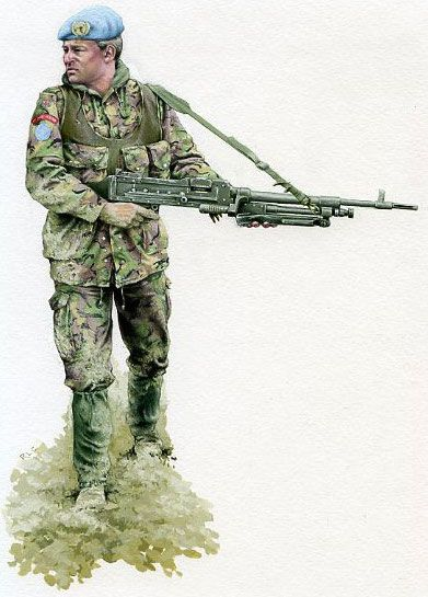 Fusilier in Bosnia with GPMG.