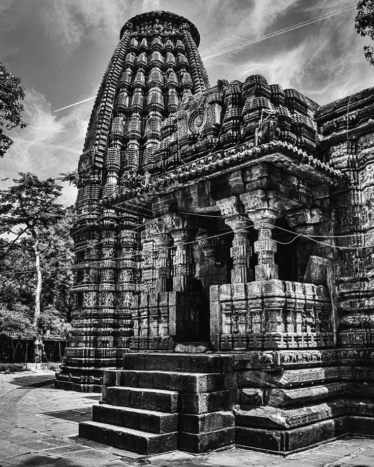 """time capsule""  #_soi #_oye #storiesofindia #indiagramtravel #india_ig #india_91 #inspiroindia #igramming_india #india_gram #inspired_traveller #passionpassport #ourplanetdaily #lonelyplanetindia #tripoto #traveldudes #traveldeeper #thephotosociety #thebest_capture #vsco #canon700d #vscocam #instadaily #picoftheday #bnw #architecture #bnw_sundays #blackandwhite #indiapictures #bnwsouls"