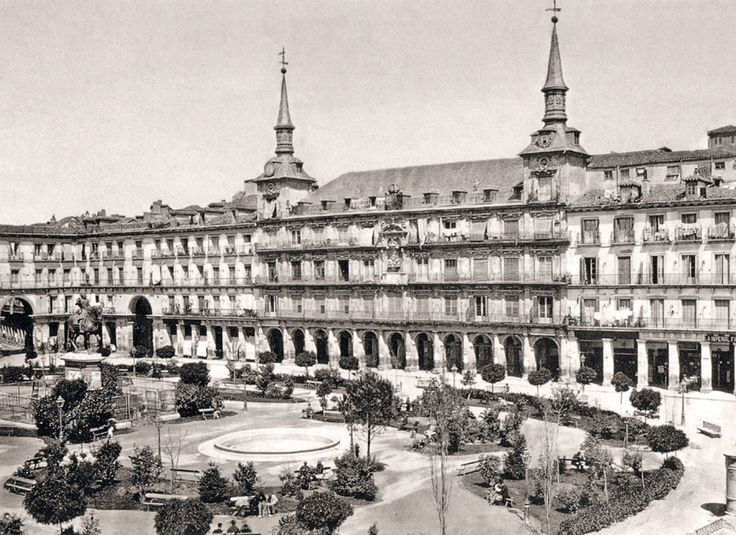 Plaza Mayor de Madrid, 1865 - Portal Fuenterrebollo