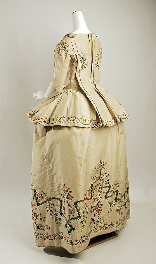Caraco Date: ca. 1780 Culture: French Medium: silk, metallic thread Dimensions: Length at CB: 24 3/4 in. (62.9 cm) Credit Line: Catharine Breyer Van Bomel Foundation Fund, 1978 Accession Number: 1978.85.1