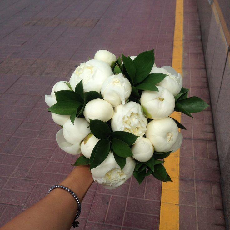 Добрый день! на выходных сделали для невесты букет из белых пионов) посмотрите как белое облако прям)