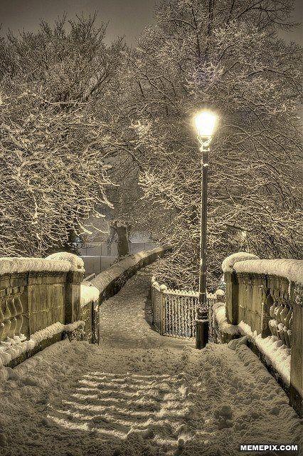 Snowy Night, Chester, England - MemePix