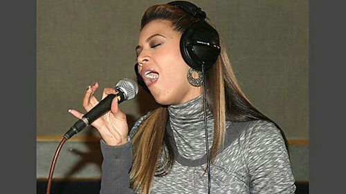Beyoncé Live In The Lounge 18.11.2008