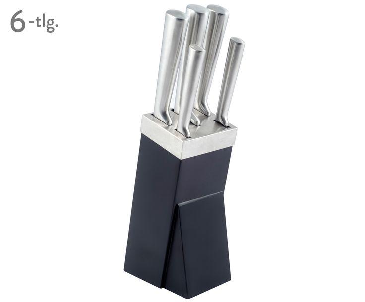 Ein hochwertiges Messerset ist die Basisausstattung eines jeden Hobbykochs. Messerblock BLACK PROFESSIONAL liefert Ihnen fünf erstklassige Messer aus Edelstahl und dazu einen passenden Messerblock in schicker Silberoptik und geschwärztem Holz. Damit die Klingen scharf bleiben, bewahren Sie Küchenmesser, Universalmesser, Schinkenmesser, Kochmesser und Brotmesser immer in dem Messerblock BLACK PROFESSIONAL auf. Der stylische Küchenhelfer hält somit auch alle Messer für Sie griffbereit.