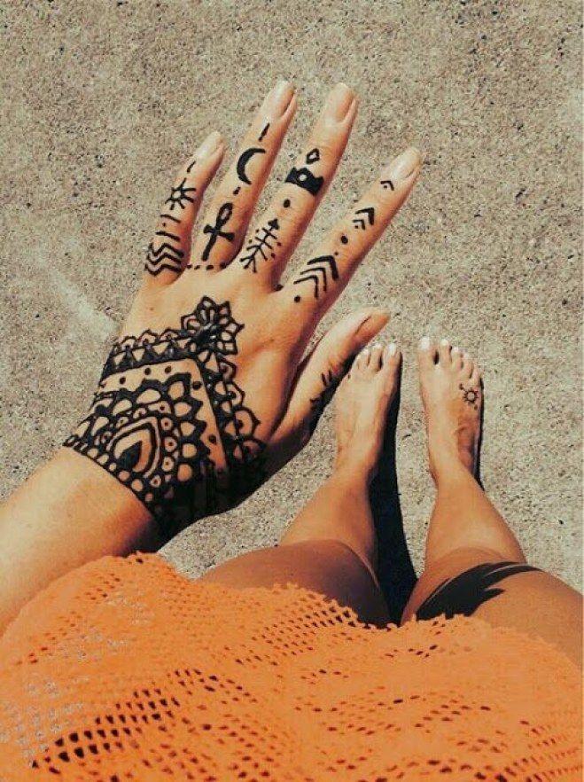 Les 25 meilleures id es de la cat gorie tatouages des doigts sur pinterest henn main simple - Tatouage sur les doigts ...
