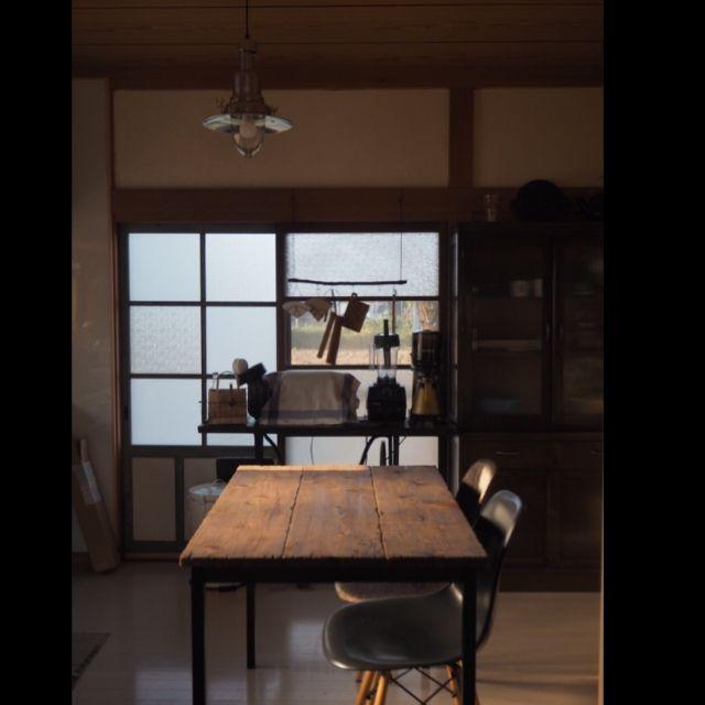 --ao--さんの、キッチン,DIY,古道具,ダイニングテーブル,昭和,漆喰壁,昭和レトロ,エイジング加工,リノベーション,和家具,モールガラス,カフェ風インテリア,古材風,テーブル手作り,日本家屋,古い建具,coffee大好き!,こどもと暮らす。,古物リペア,古い家具のお手入れ,のお部屋写真                                                                                                                                                                                 もっと見る