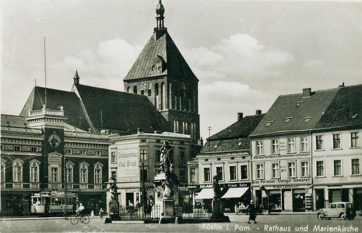 Köslin - Rathaus und Marienkirche