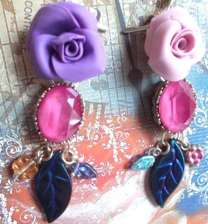 boucles d'oreille précieuses et fleuries