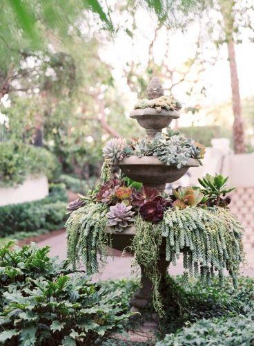 Sfaturi practice pentru amenajarea unei gradini mici cu plante suculente / Mobilier gradina cu plante suculente sursa: http://www.renovat.ro