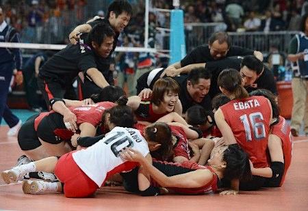 韓国を破り歓喜する日本チーム