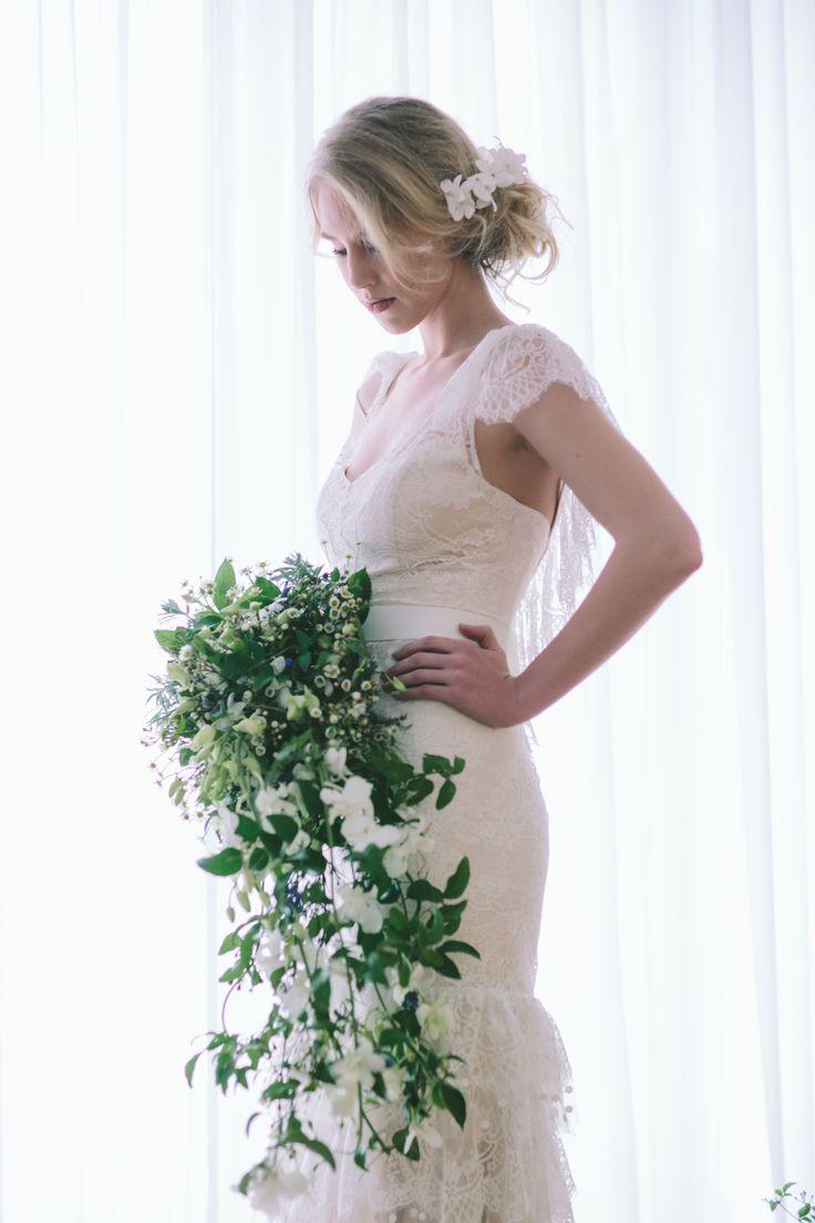Νυφική ανθοδέσμη - φωτογράφηση George Pahountis - σε συνεργασία με το love4weddings.com #γάμος #ανθοδέσμη #νύφη #ανθοστολισμός #μπουκέτο #lesfleuristes #ανθοπωλείο
